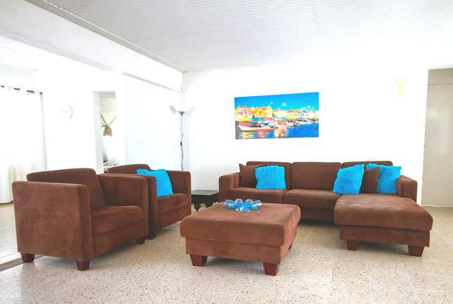 Preview b living room relax and tv area villa breeze curacao
