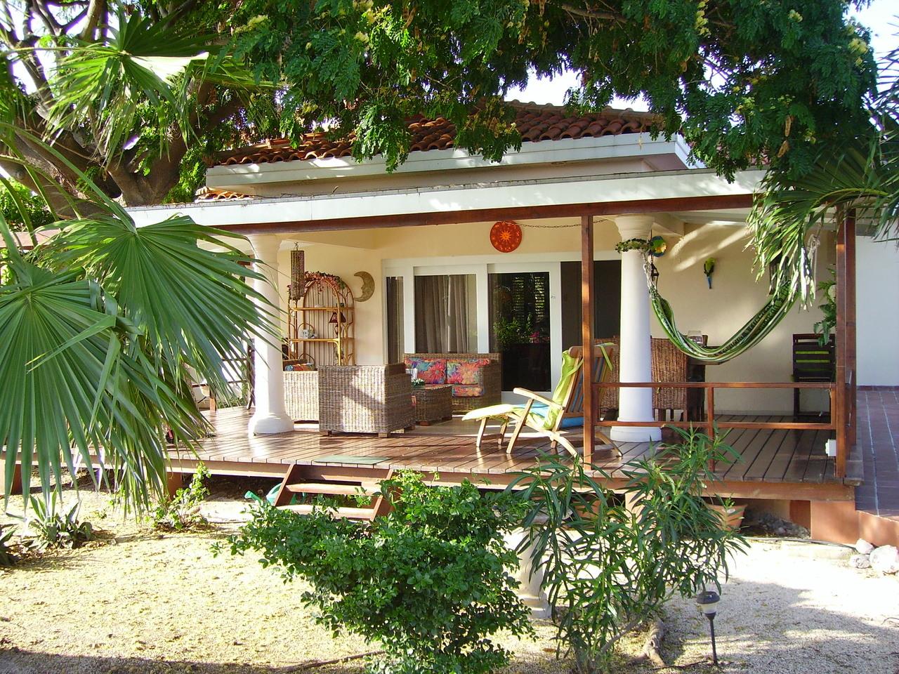Villa luna curacao - Huis in de tuin ...